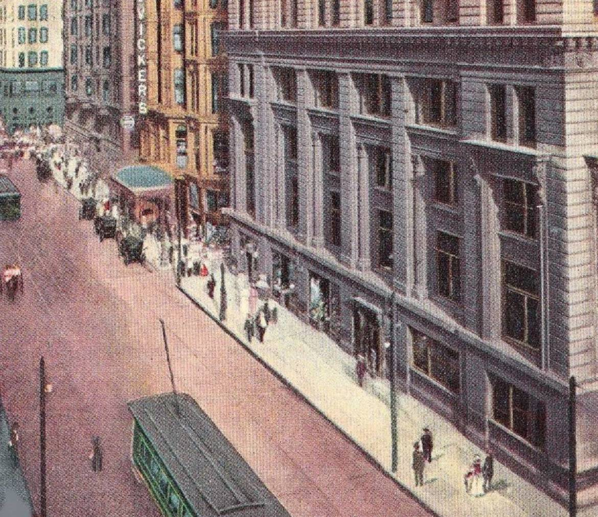 """Chicago history:  When the Tribune's home was covered in """"deep chocolate"""" soot"""