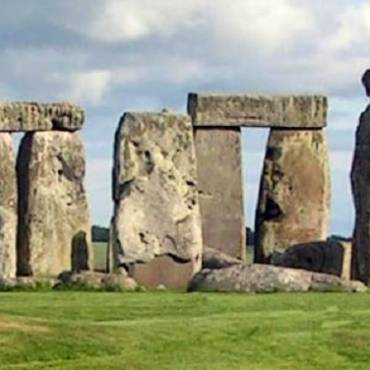 """Book review: """"Stonehenge"""" by Rosemary Hill"""